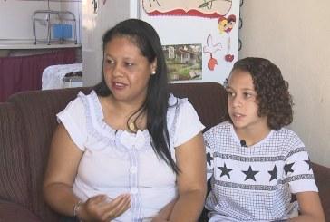 Família entra na Justiça após escola no DF proibir aluno de ter cabelos longos