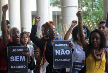 """""""Sentia que não fazia parte desse ambiente"""": os desafios de ser negro e da periferia em uma universidade"""