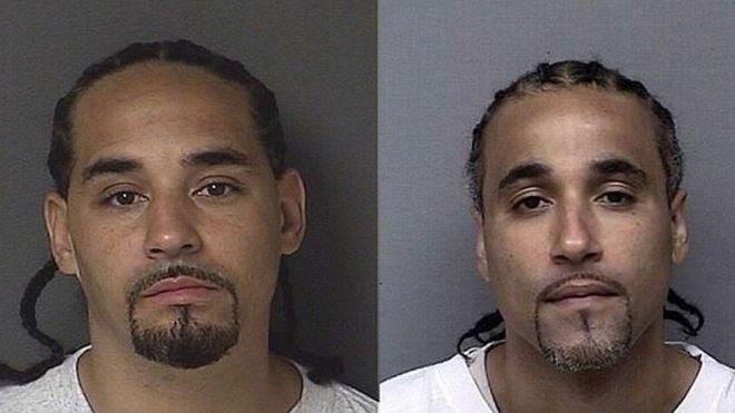 Richard Anthony Jones (à dir.) passou 17 anos na cadeia e sempre se disse inocente da acusação de roubo. Ele foi solto depois que descobriu ter um 'sósia', Ricky, que poderia ter cometido o crime