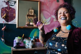 Kami Marques Jacoub, a cabeleireira que não se encaixa em nenhum padrão