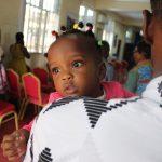 Relatório exige aumento de licença-paternidade na França para três meses