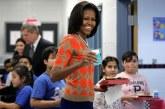 Michelle Obama lança plataforma para investir na educação de meninas