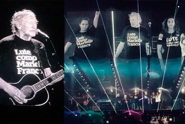 No Maracanã, Roger Waters homenageia Marielle Franco e leva família da vereadora assassinada ao palco
