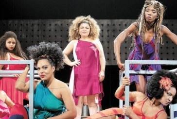 Musical sobre Elza Soares repassa várias fases da carreira e da vida pessoal da artista