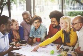 85% dos brasileiros acreditam que marcas devem abordar diversidade