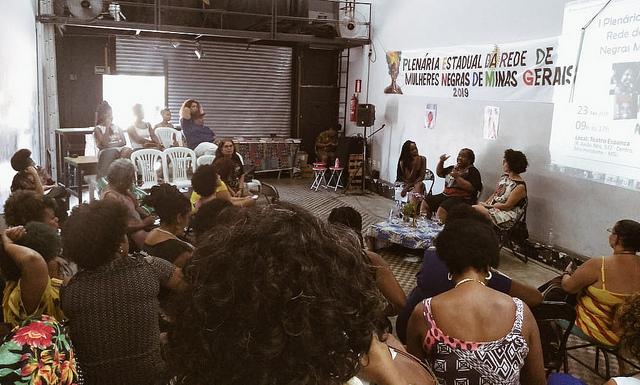 Plenária, mulheres negras de Minas Gerais discutem desafios da população negra - Foto: Larissa Amorim