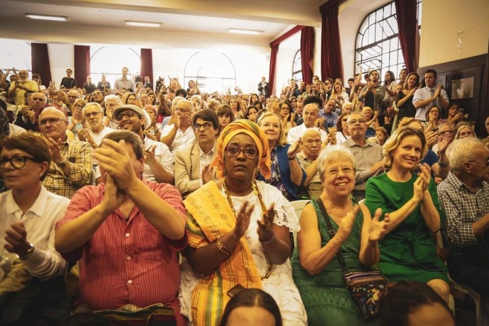 Plateia lotada em ato de lançamento da comissão Arns. O evento lotou a Sala dos Estudantes, um auditório da Faculdade de Direito do Largo São Francisco