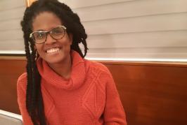 """""""Feminismo negro não exclui, amplia"""": Djamila Ribeiro debate ativismos a convite da França"""