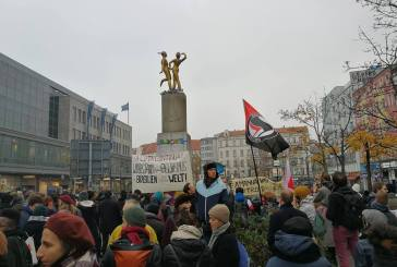 """""""Não podemos ignorar quando vemos sinais de fascismo crescendo"""", diz ativista alemão"""