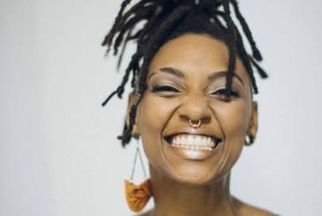 Cantora Bia Ferreira fala sobre música como