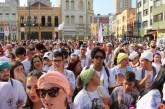 Em Curitiba, marcha se posiciona contra intolerância religiosa e racismo