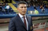 Técnico da Bulgária segue dirigente e pede demissão após polêmica por racismo de torcedores