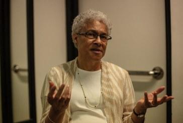 """Patricia Collins: """"Os EUA têm instituições democráticas, mas não têm uma democracia"""""""