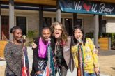 Steven Tyler, vocalista do Aerosmith, inaugura abrigo para meninas vítimas de abuso