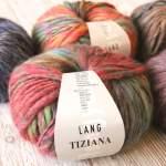 Mützen stricken mit Lang Yarns Tiziana: Superflausch mit Farbverlauf