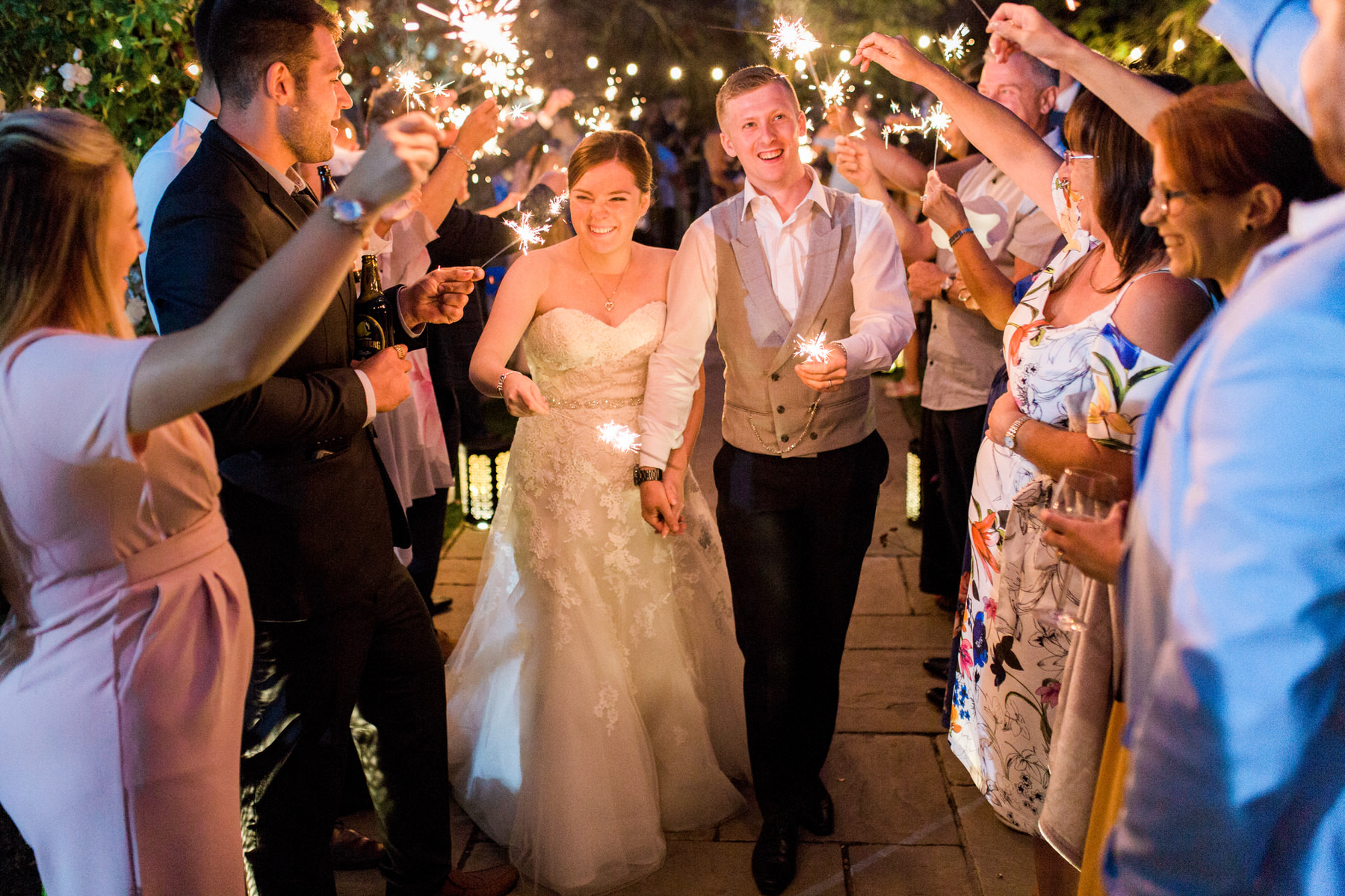 houchins-wedding-sparklers