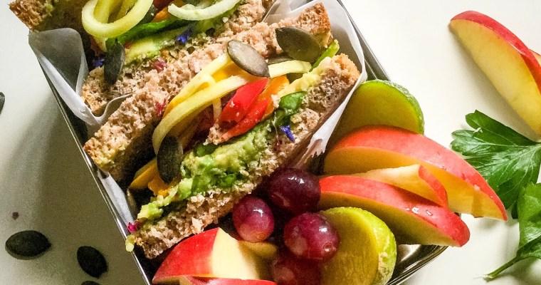 Gemüse Sandwich in der Lunchbox