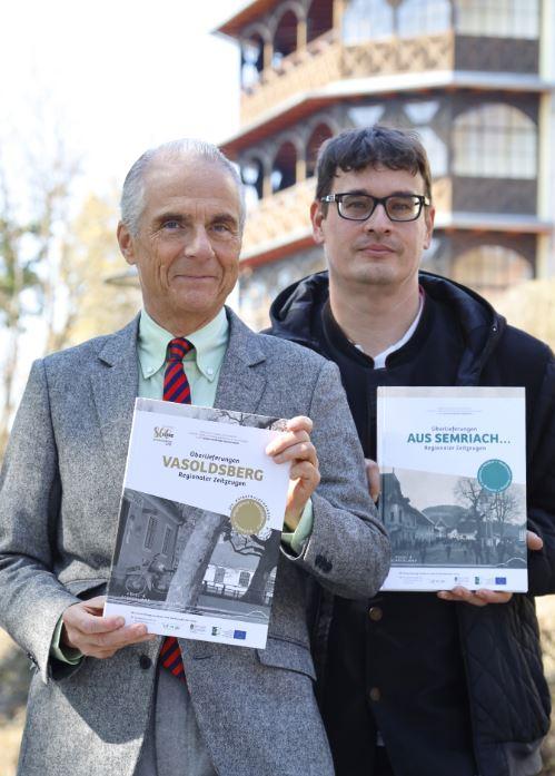 Arno Kerschbaumer und Andreas Filipancic mit Oral History-Büchern
