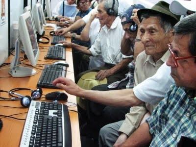 Usar Facebook mejora las condiciones cognitivas de las personas mayores