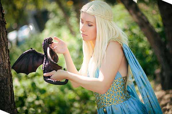 cosplay-Khaleesi-2