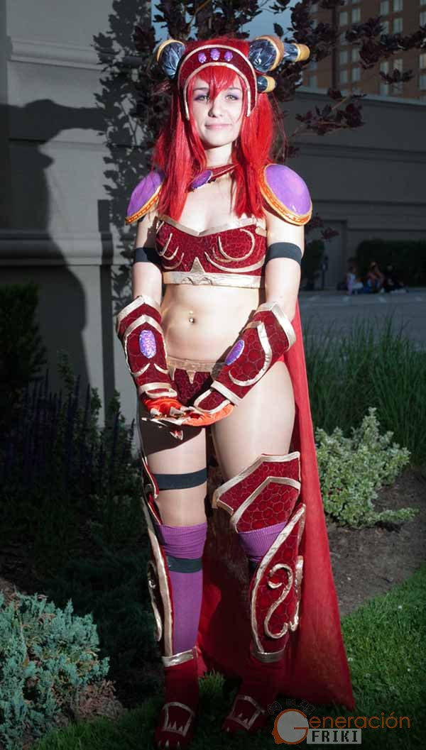 Cosplay-Alexstrasza-Wow-19