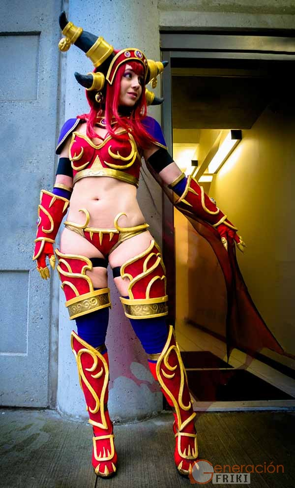 Cosplay-Alexstrasza-Wow-28