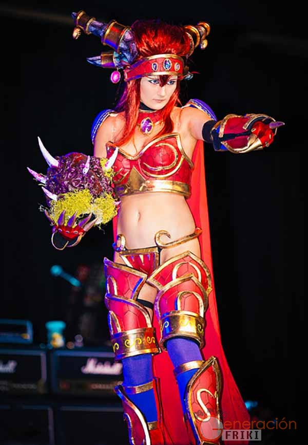 Cosplay-Alexstrasza-Wow-36