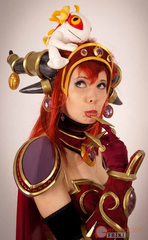 Cosplay-Alexstrasza-Wow-9