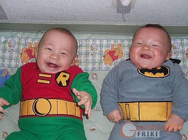 13-Bebé-Batman-Robin