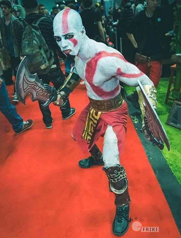 3-Kratos-God-of-War