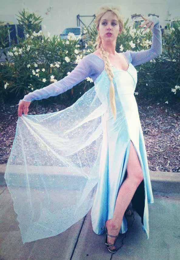 10-Cosplay-Elsa-Frozen