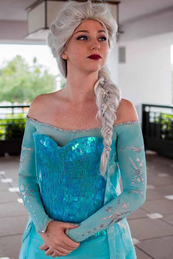 12-Cosplay-Elsa-Frozen