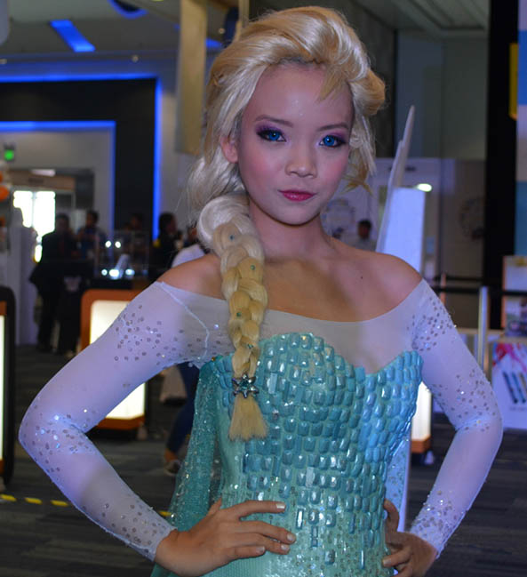 40-Cosplay-Elsa-Frozen
