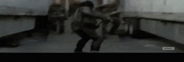 The-Walking-Dead-gif-1-escena-cadena-5x16