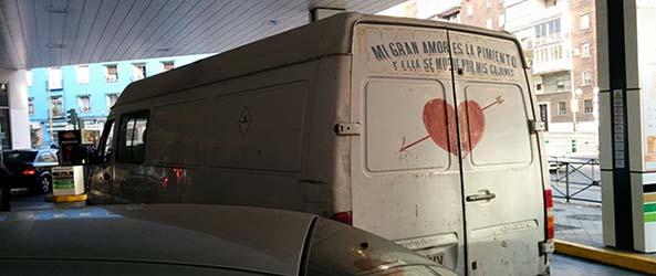 1252-04-04-16-furgoneta-frase-humor