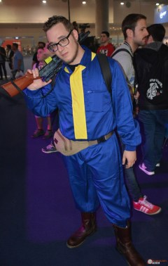 cosplay-madrid-gaming-experience-2016-generacion-fallout-refugiados-vault-suit-4