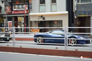 Generacion-Friki-En-Japon-coches-Roppongi-Ferrari