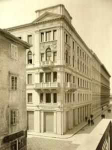 Palazzo Geiringer, Trieste (1909-1912): angolo fra via Trento e via Torrebianca