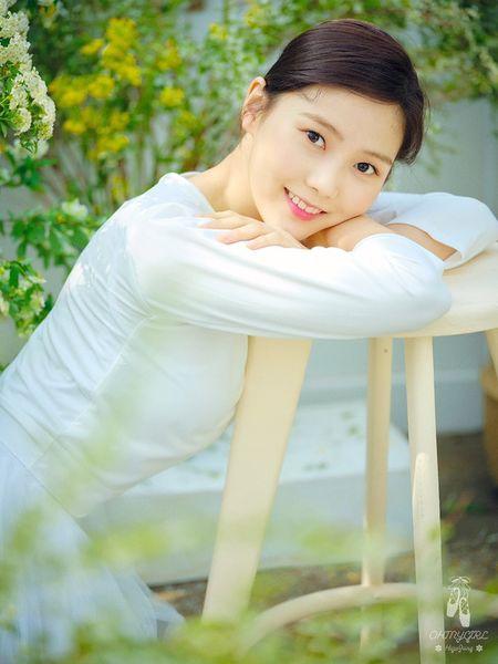 File:Hyojung - The Fifth Season promo.jpg