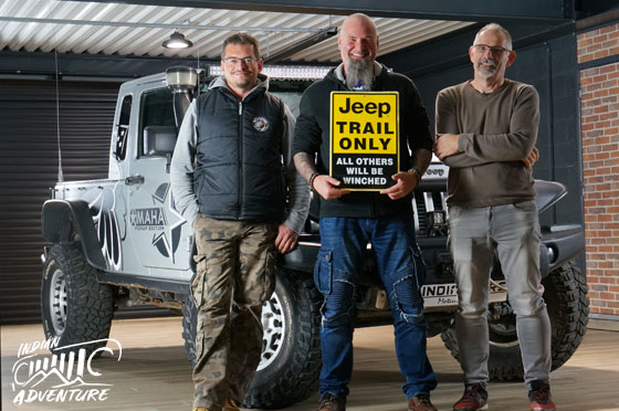 team-indian-adventure-club-4X4-jeep