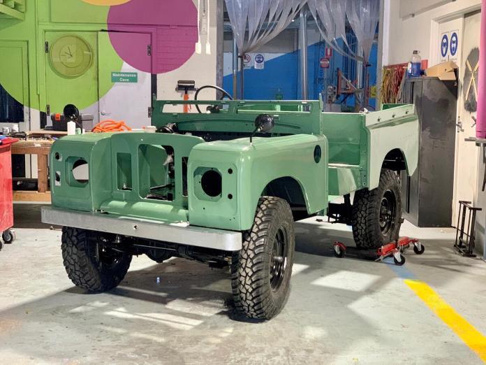 Jaunt motors Land Rover S IIa électrique