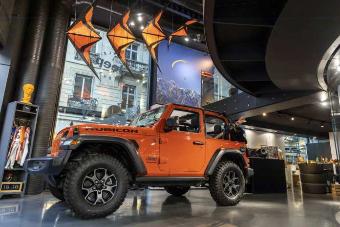 Jeep La gamme 4xe aux champs élisées