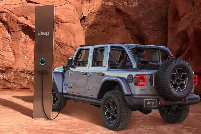 Jeep Le monolithe mystérieux station de charge extraterrestre ?
