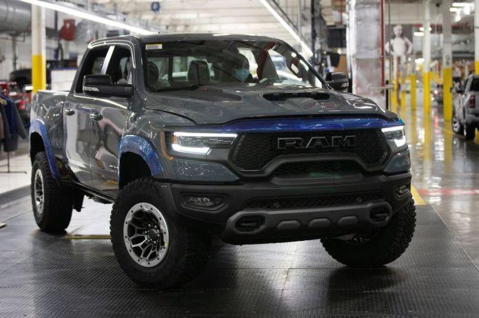 Dodge le RAM 1 500 TRX  n°1 aux enchères L'Amérique solidaire pour 702 ch