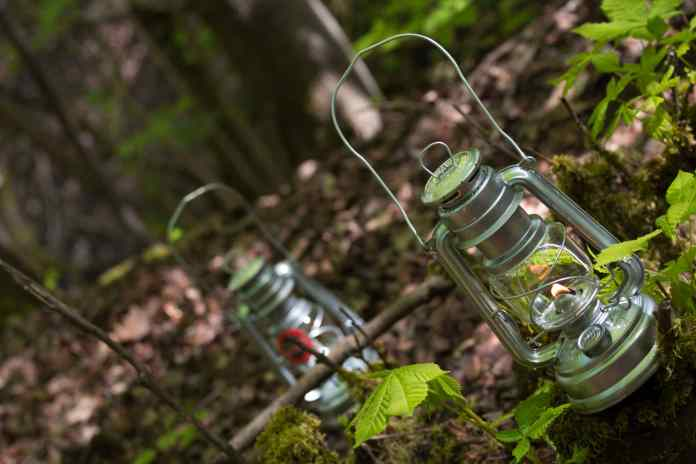 Feuerhand est une marque allemande de lampes tempêtes connue pour sa qualité depuis 1893