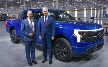 FORD Joe Biden essai le F-150 lightining Le top des ventes US depuis 44 ans 100% électrique !