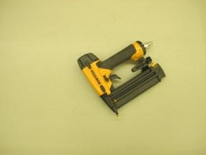 01-1004 Bostitch Brad Nailer- 18 gauge air tools