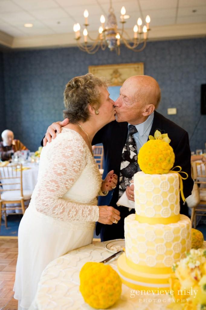 luntz-anniv-031-oakwood-country-club-cleveland-wedding-photographer-genevieve-nisly-photography