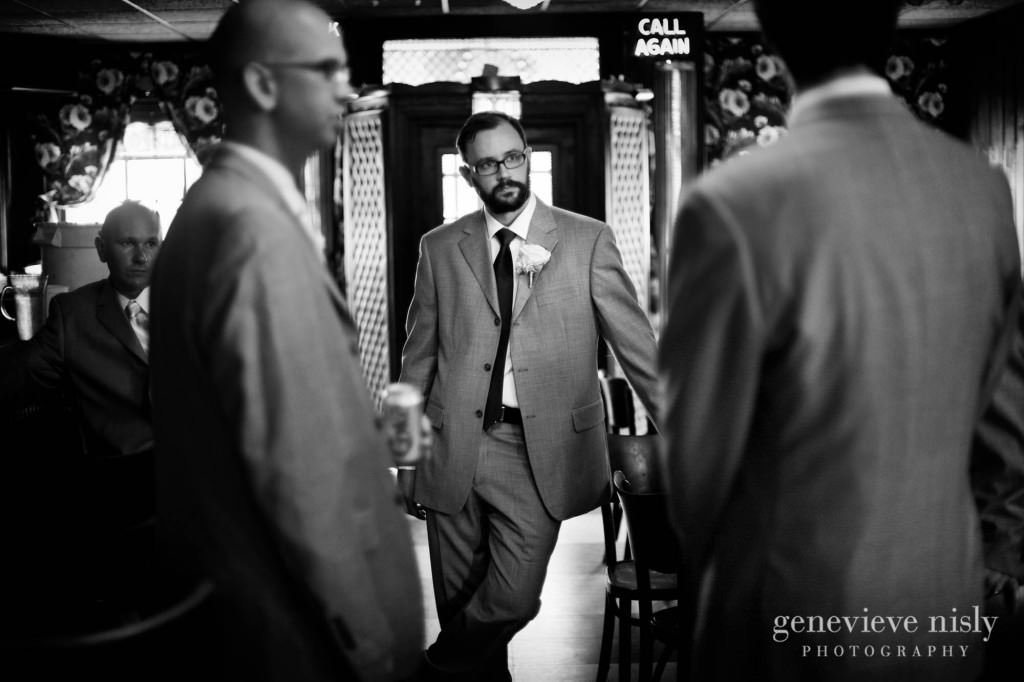 erin-dave-017-windows-on-the-river-cleveland-wedding-photographer-genevieve-nisly-photography