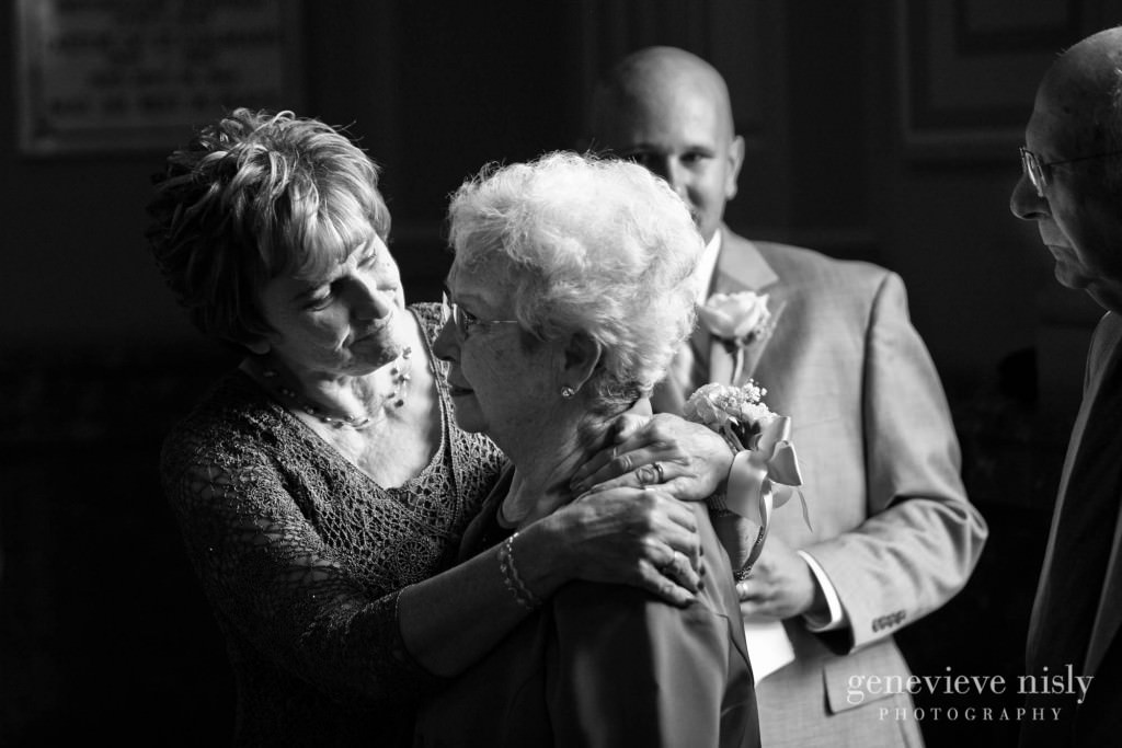 erin-dave-022-windows-on-the-river-cleveland-wedding-photographer-genevieve-nisly-photography